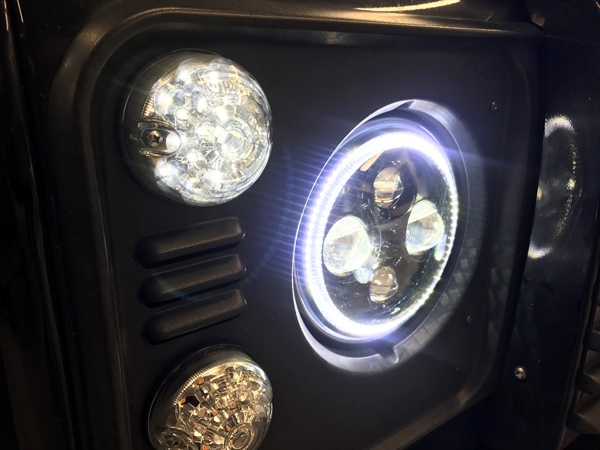 Land Rover Defender LED forlygte med HALO ring